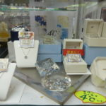 ゴールディーズ太田店では4℃ の販売・買取をしております!その他にもヴァンドーム青山・アガット・アーカーなど買取強化中☆