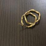 片方だけのピアスや切れたネックレス、歪んでしまったリングも買取しております!