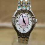 Dolce & Exceline エクセリーヌ ピンクシェル文字盤の6Pダイヤベゼル クオーツ時計 新入荷いたしました!